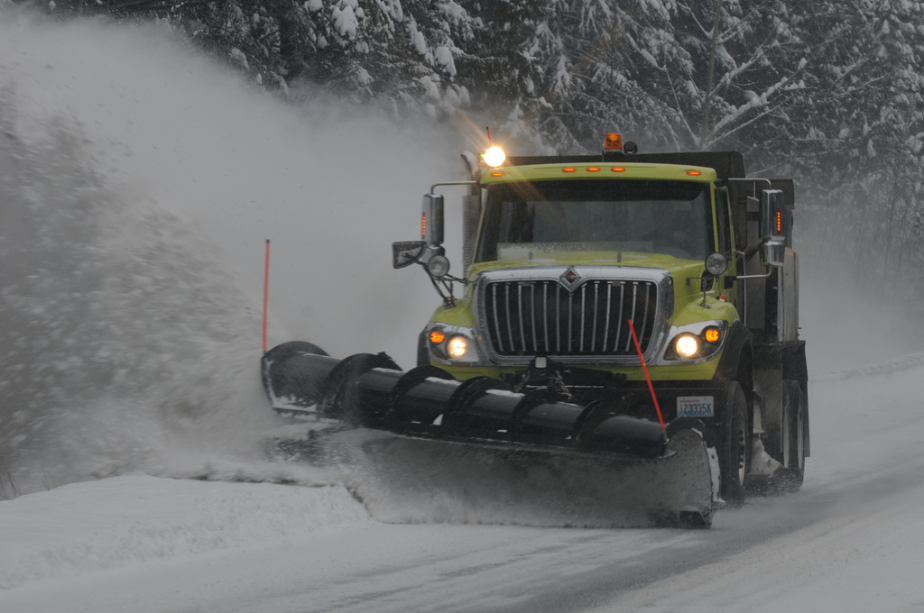 During this winter, snow plows are a commonality for Frostburg State University. (Derrick Coetzee/ Flickr)